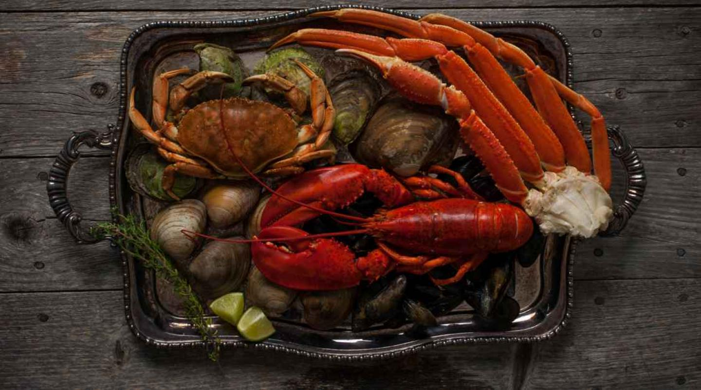 Image of seafood on a platter