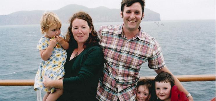 Moira McGuire, membre du Conseil consultatif des partenaires en apprentissage, et sa famille en vacances aux îles de la Madeleine