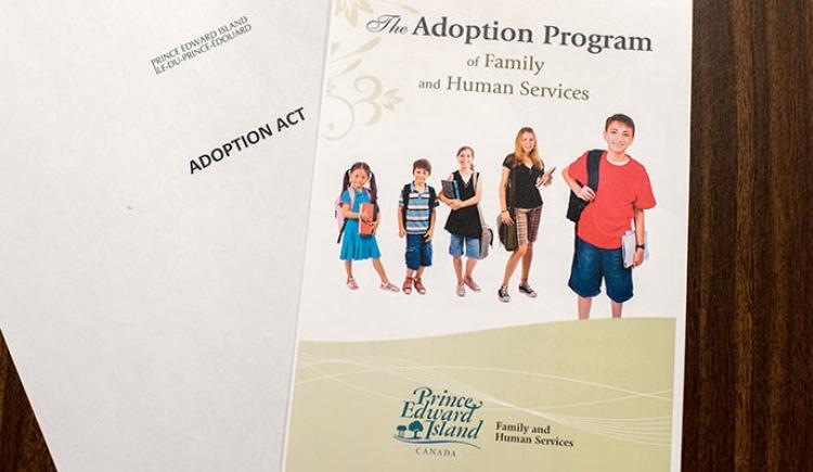 Le document pour L'Adoption Act (loi sur l'adoption)