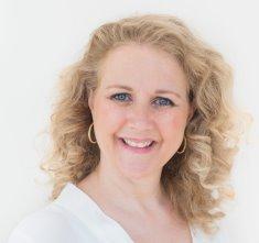 Portrait image of Joeanne Thomson