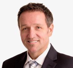 Portrait image of Oliver Technow